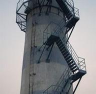 烟囱爬梯平台除锈刷漆